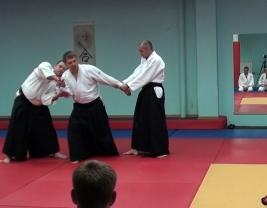 Футари дори - техника Айкидо от двух нападающих